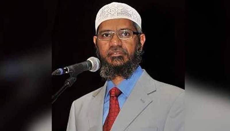 Zakir Naik caught in trouble, Malaysian citizenship can be snatched