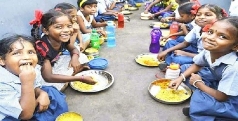 midday meals  with milk in tamilnadu