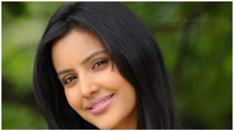actress priya anand's reply to rumours