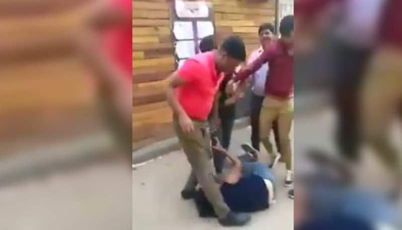 Shocking Video Goes Viral, salon Owner thrashed women in Greater Noida for asking salary