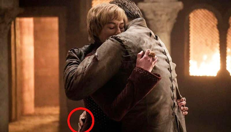 Game of Thrones Jaime Lannister regrew his right hand or was it HBOs editing error