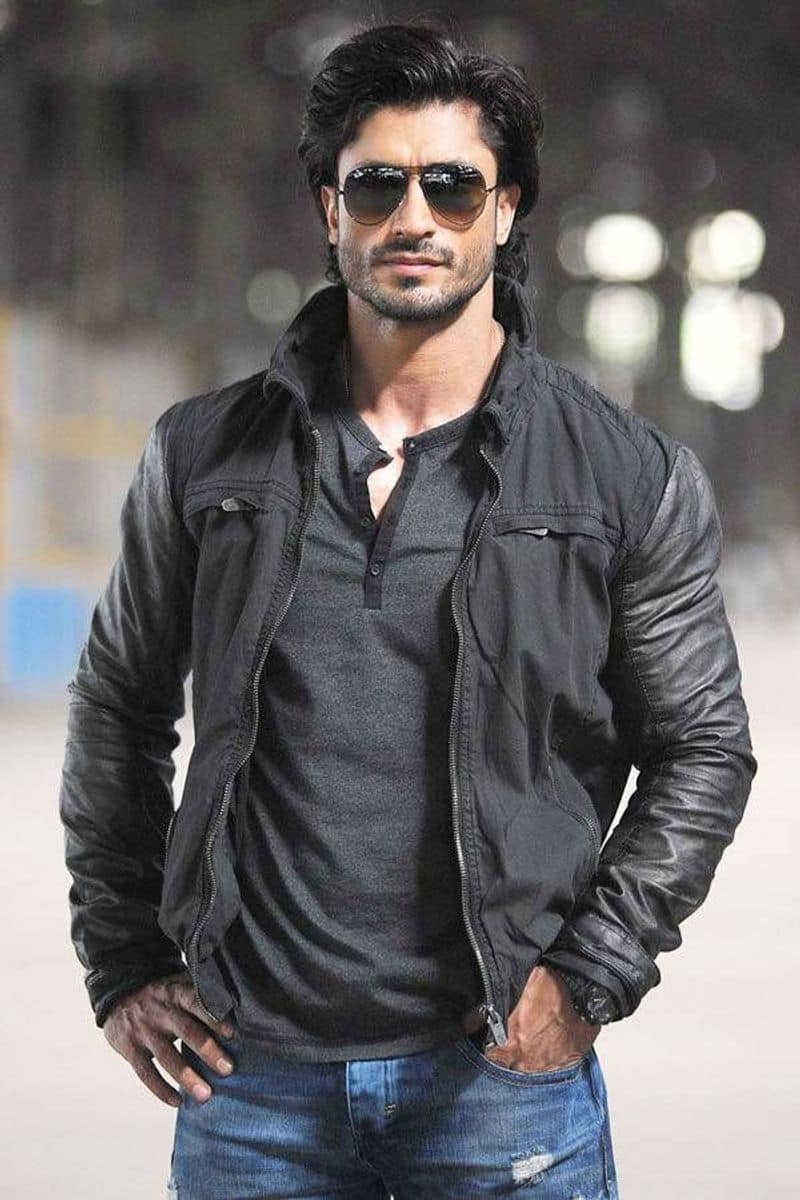 The Ghazi Attack fame Sankalp Reddy to direct Vidyut Jammwal