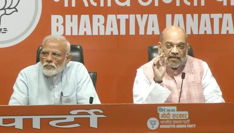 pm modi on his first ever press meet