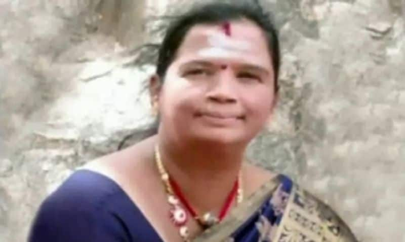 beautician rekha arrested due to kidnapped babies