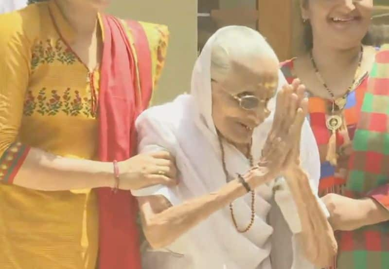 Modi mother coveyed thanks to all the indians