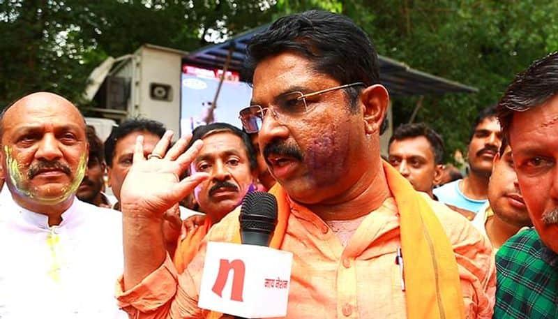 Kumaraswamy, Siddaramaiah should step down from their posts, says R Ashok