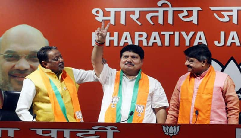 BJP leader Arjun Singh claims that TMC leaders are contacting him for joining BJP