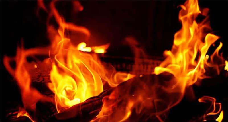 Tamil Nadu Suspecting infidelity man sets livein partner ablaze