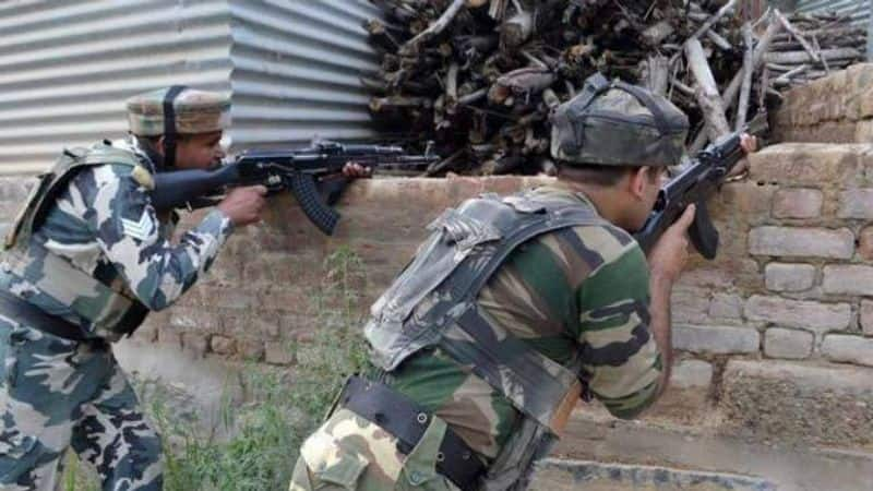 Encounter underway in shopian in jammu kashmir,Four terrorists surrounded by security forces