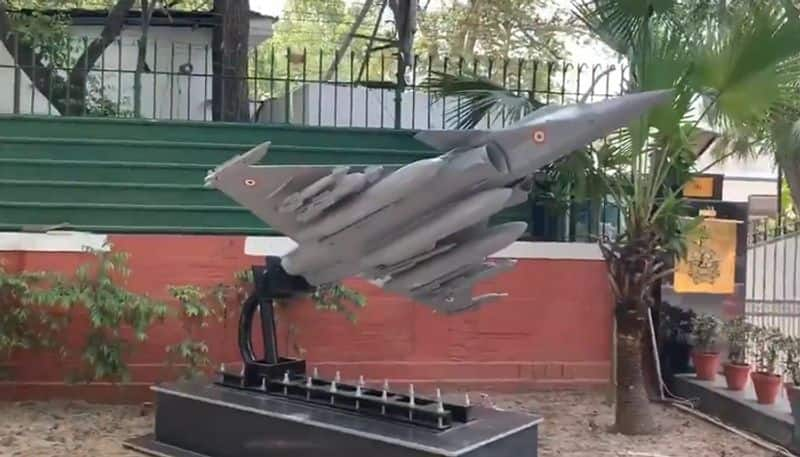 IAF erects Rafale replica outside Air Chief house, right in front of Congress Headquarter