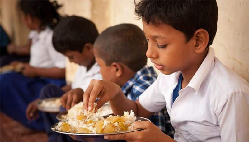 midday meal for students in summer vacation
