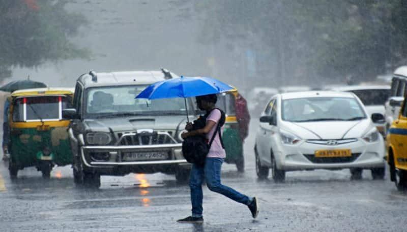 Rain affects normal life in Kolkata: South 24 Parganas receives heavy rainfall