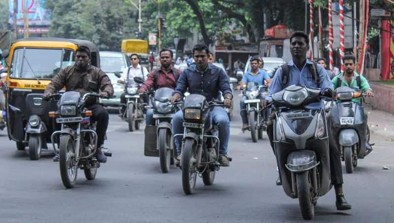 Dont stop people riding without helmets says CM