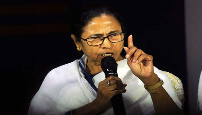 Those living in Bengal will have to learn how to speak Benga says Mamata Banerjee