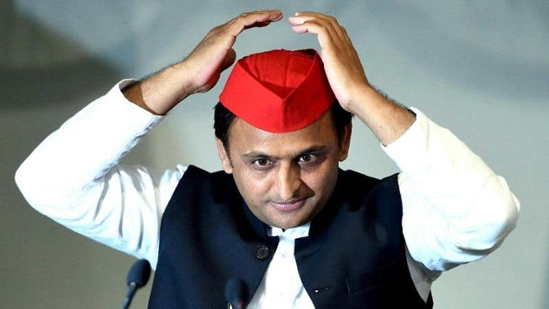 Akhilesh Yadav will follow RSS to revamp as SP in UP