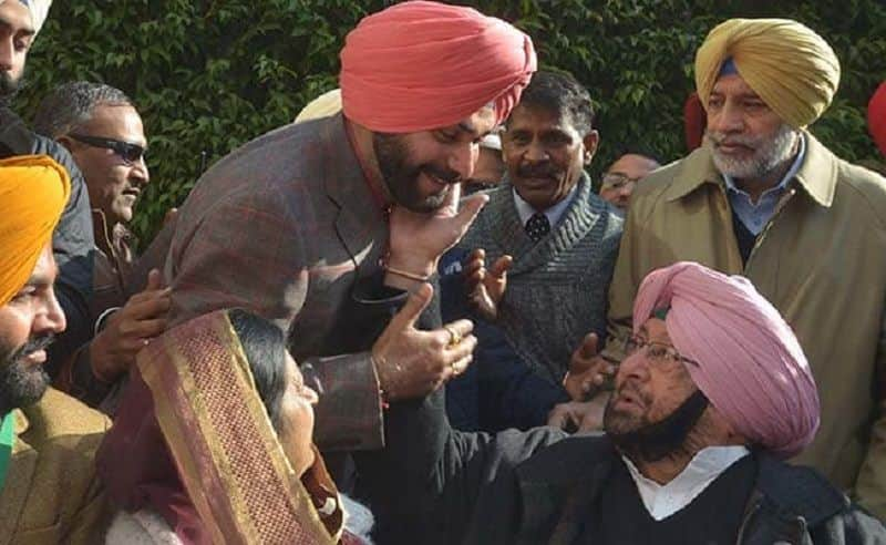Captain Amarinder Singh clapped, Sidhu stranded in CM's Chakravyuh