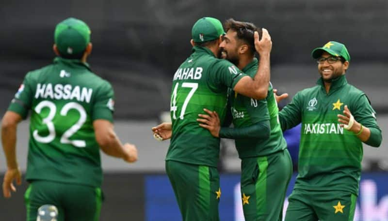 pakistan coach waqar younis has believe in his team to beat india in world cup