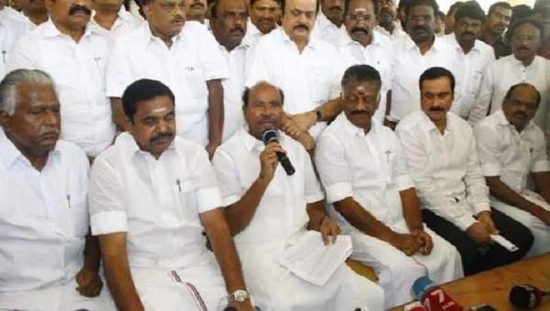 Edappadi who cannot control his own party... ramadoss