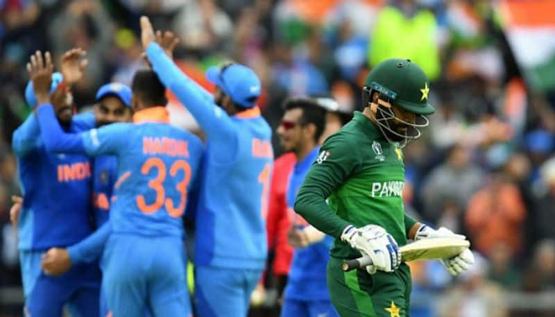 Trouble on Pakistan cricket team after losing to India