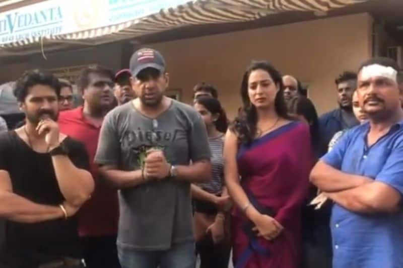 Mahie Gill, other casts, crew of ALTBalaji show allegedly attack by goons