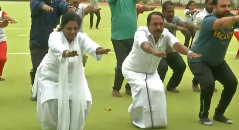 yoga classes for students in schools