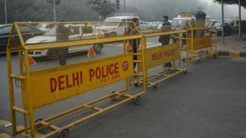 3 to 4 suicide terrorists of Jaish enter Delhi, two suspects arrested in raids at many places