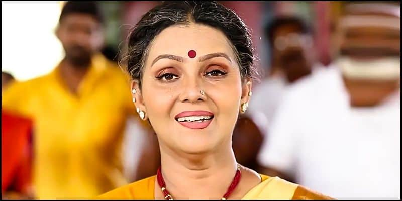 vanitha will  call fathima as  akka akka but she hurts fathima a lot says faathimas husnaband  babu