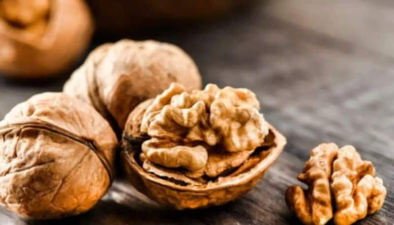 Add These Healthy Nuts To Your Diet To Manage Diabetes Effectively