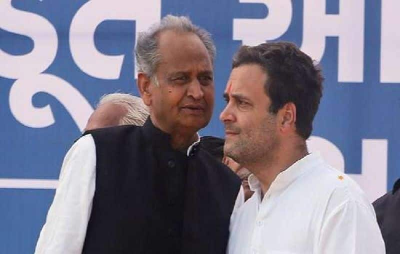 Congress leadership asked to ashok gehlot to stay in Delhi after meeting with Sonia Gandhi