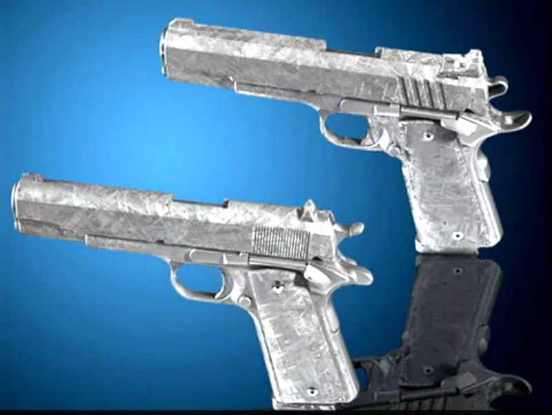 In america two pistols will be auctioned in crores