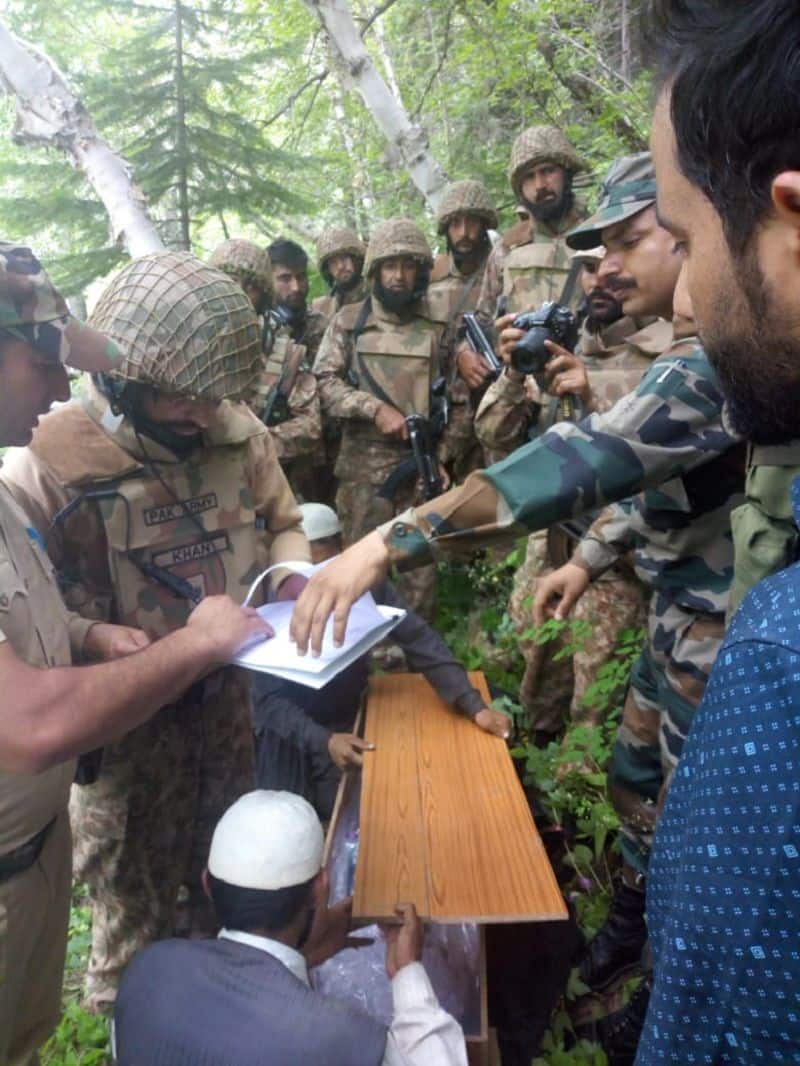 Indian army hand over death body of Pakistani kid without any protocol