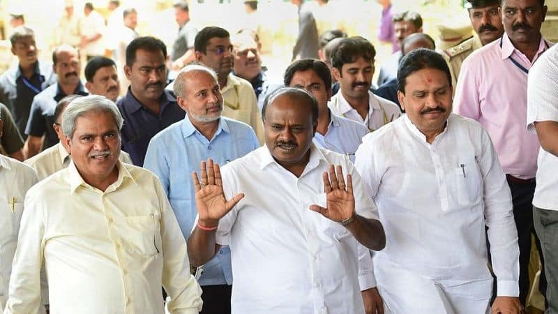 Kumaraswamy government agree for floor test on 18 July, supreme court will take decision on rebel MLA tomorrow