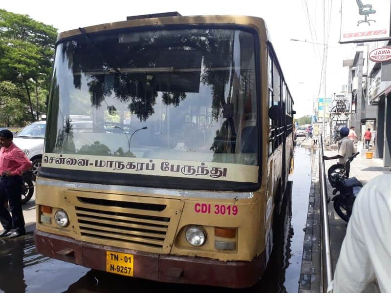 nandhanam accident two girls spot out