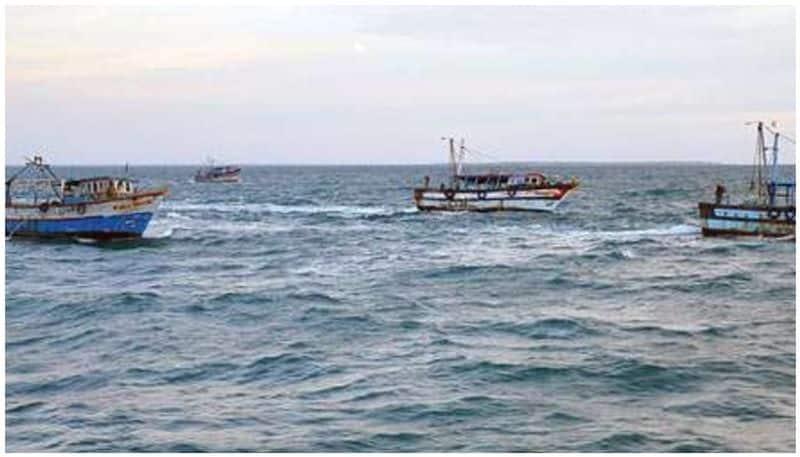Malpe Fishing boat drowned in goa 7 fishermen saved