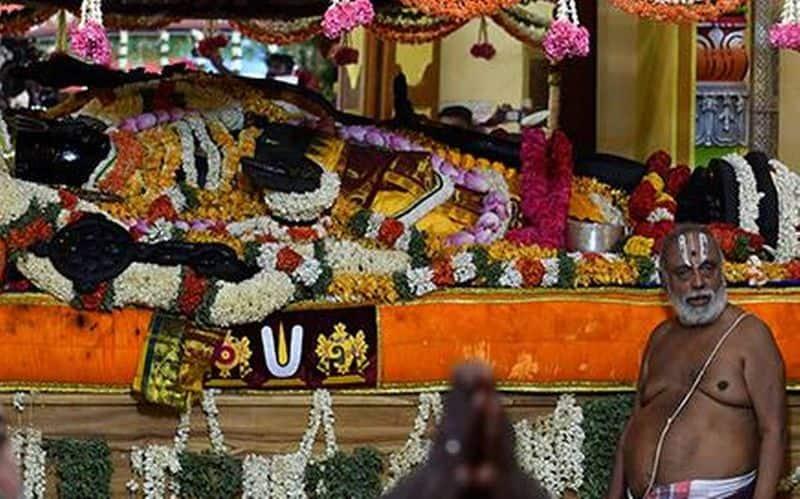 edapadi palanisamy visits athivarathar  temple today