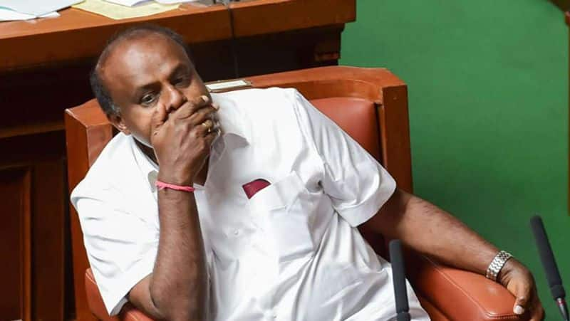 Karnataka speaker warns Kumarasamy on trust vote issue