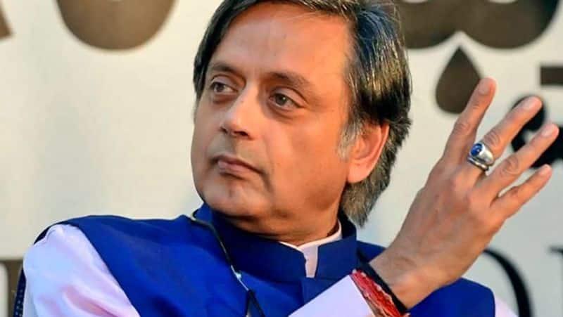 Shashi Tharoor: Lack of clarity at top hurting Congress, hope Priyanka Gandhi takes the reins
