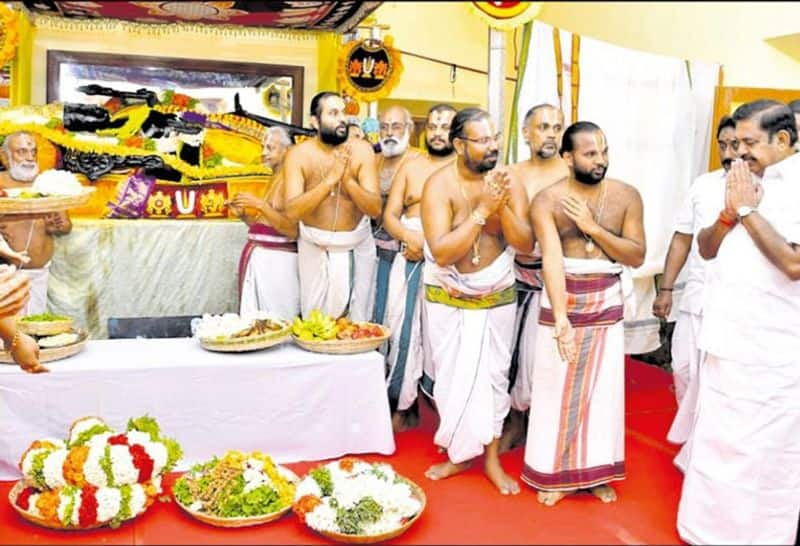 we can get blesing from athivarathar within 30 minutes