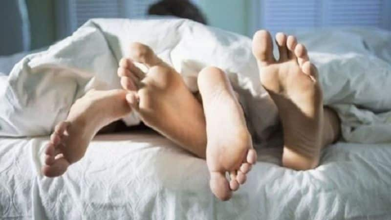 husband take vedio his wife