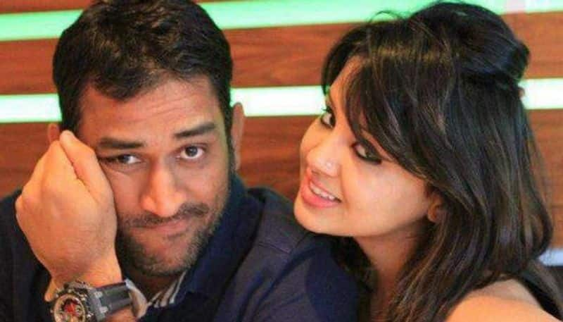 Amrapali group diverted homebuyers' money to Mahendra Singh Dhoni, wife's firms, forensic auditors tell SC