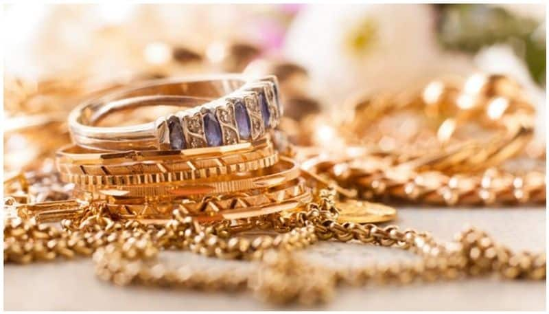 gold rate is high continously