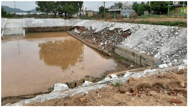A pond of stones falling in one day's rain tax of the people is Rs.20 lakh loss