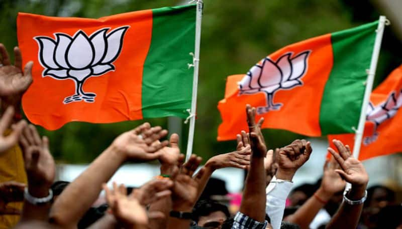 BJP mp's plea to government to give bharath rathna award to modi