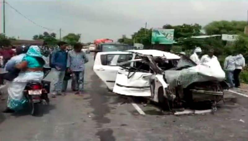 The truck from Unnao gang rape victim's accident, know what the SP connection