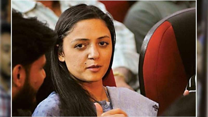 Shehla Rashid booked for sedition over tweets on Kashmir issue