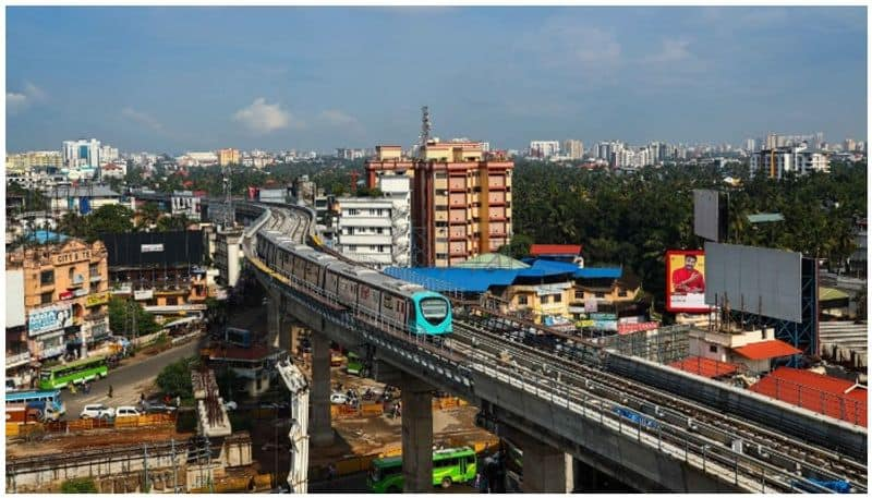 the thief are stolen wire from metro tracks, a major accident could happen anytime