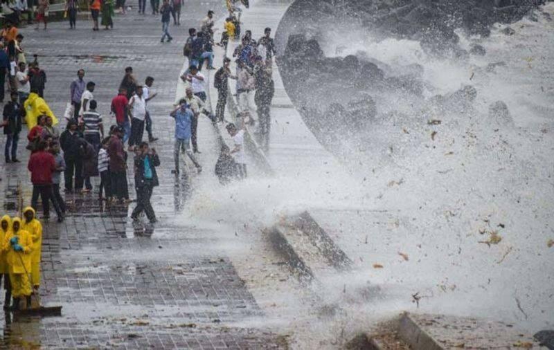 Mumbai rains IMD issues orange alert heavy rain expected