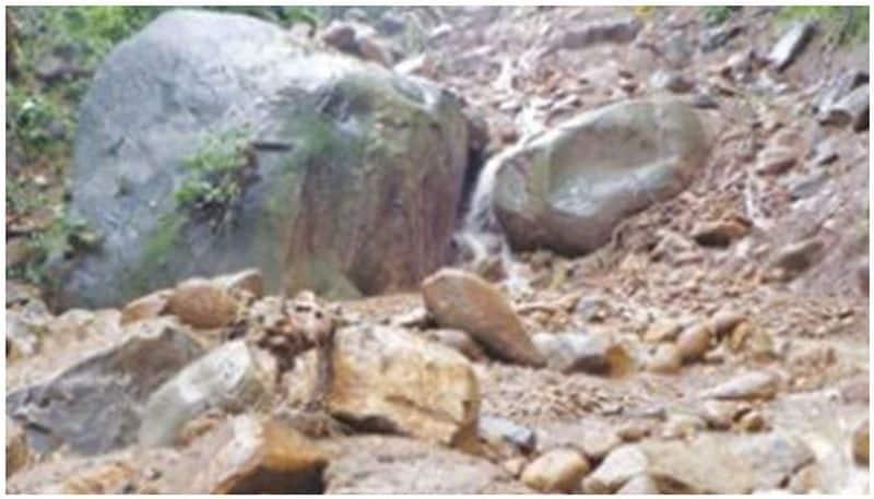 landslide in puliyampara