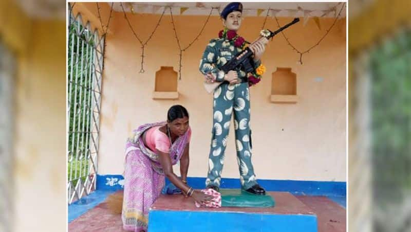 Solidier sister cry when they tie rakhi in hand of her martyr Brother