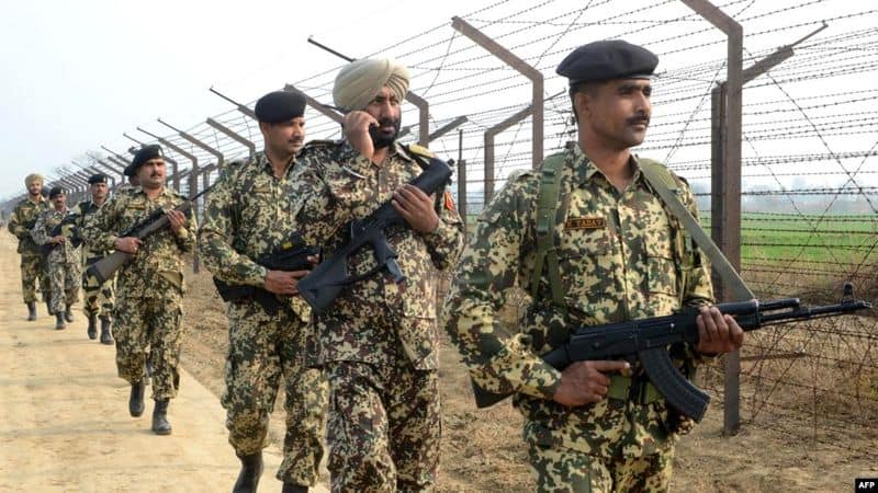 Army of India and Pakistan are preparing for war!